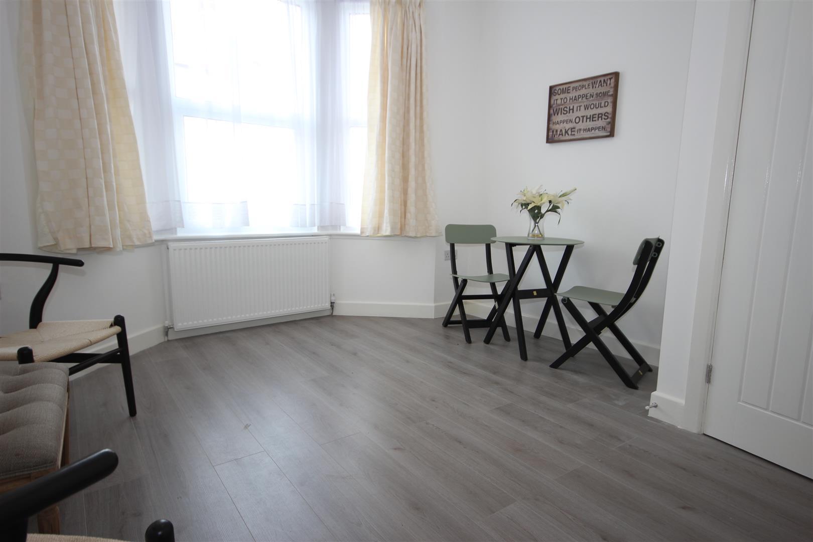 2 Bedrooms Property for sale in Redfern Road, Harlesden